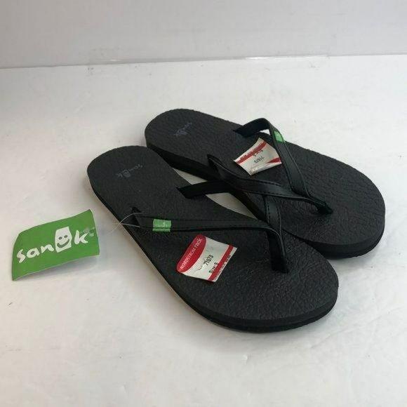 NWT Sanuk Sandal Flipflop Black Size 5